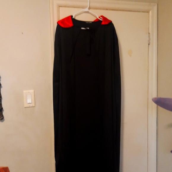🎃Costume App.5 ft long black nylon Halloween cape